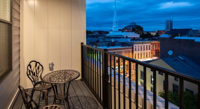 Vicina balcony
